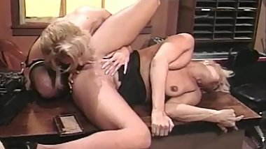 Debbie Diamond & Scarlet Windsor