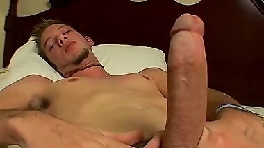 Solo masturbation with Christian Taylor turned into facial